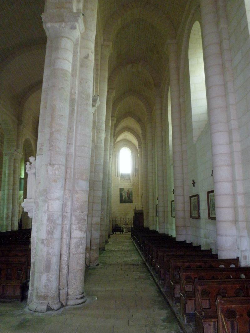 pilier église Nieul sur l`Autize